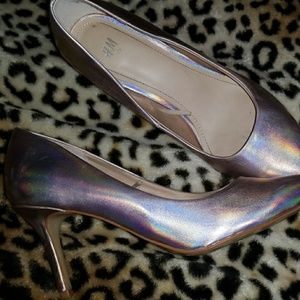 Iridescent galaxy heels